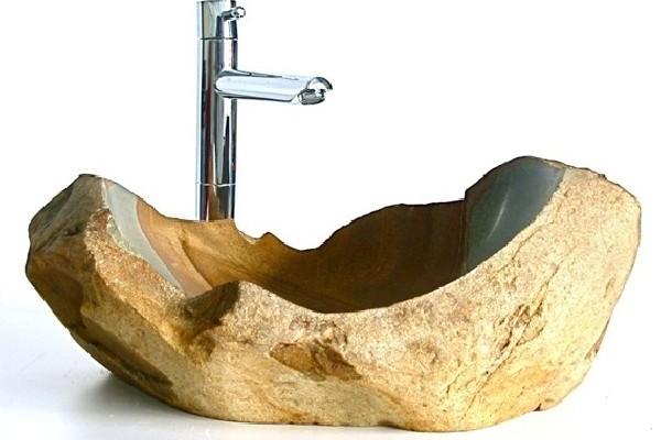 Раковина из камня в интерьере