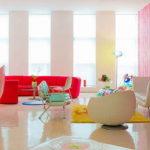 Необычный интерьер квартиры: буйство красок и форм