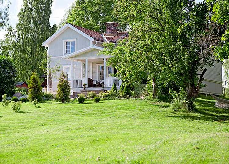 Белый  Белое ранчо   дом в Швеции