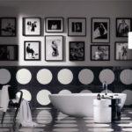Черно-белый интерьер ванных