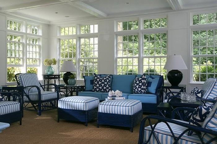 Гостиная в синих цветах