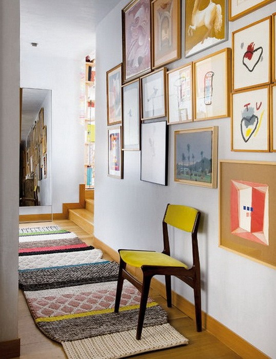 Картины на стене