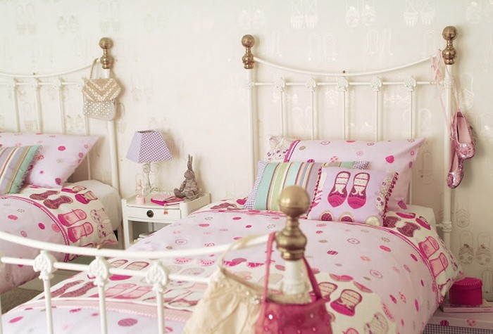 Розовый  Розовая спальня