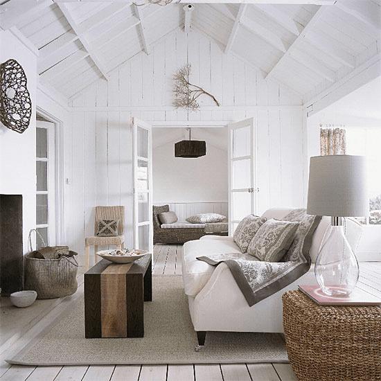 Белый  Белый цвет в гостиной