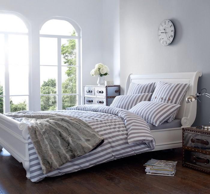 Полосы  Полоска в спальне