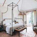 Интерьер спальни с винтажными элементами