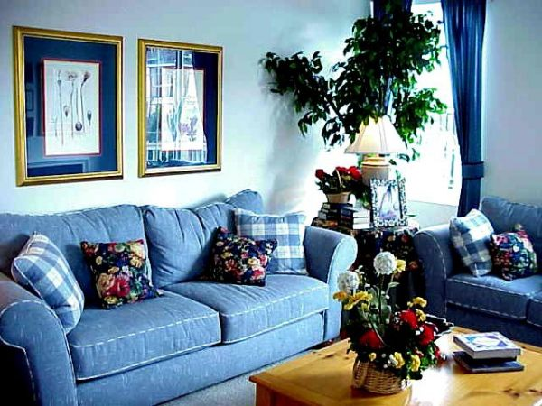 Синий  Синий цвет в интерьере гостиной