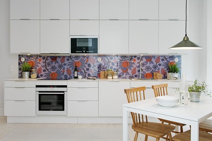 Скандинавский стиль Белый  Современная кухня с балконом