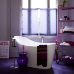 Фиолетовый цвет в интерьере ванной комнаты