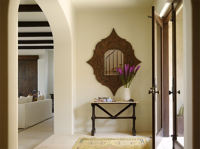 Средиземноморский стиль  Интерьер дома на побережье
