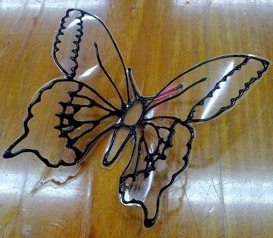 Красивая бабочка из пластиковой бутылки