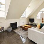 5 фото маленькой квартиры-мансарды