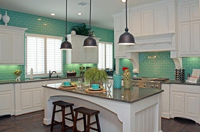 Бирюзовый цвет в интерьере кухни_14
