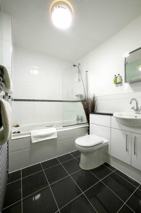 Маленькая  Маленькая ванная комната