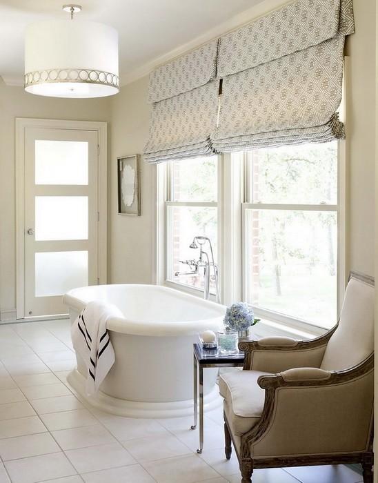Интерьер ванной комнаты в кремовых тонах_01