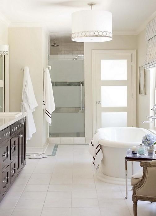 Интерьер ванной комнаты в кремовых тонах_03