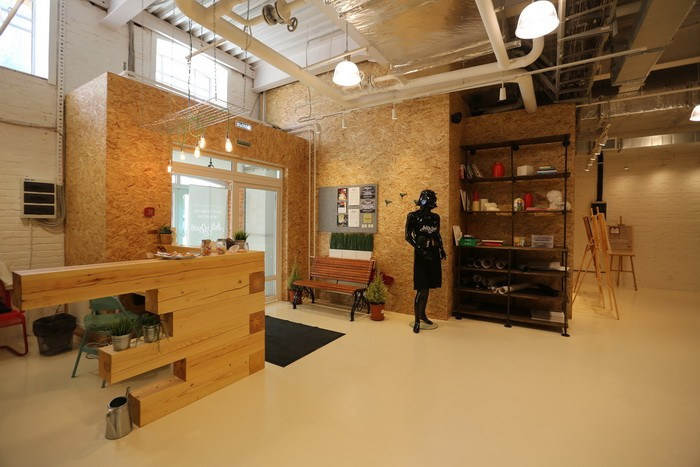 Экологичный стиль в офисном помещении_03