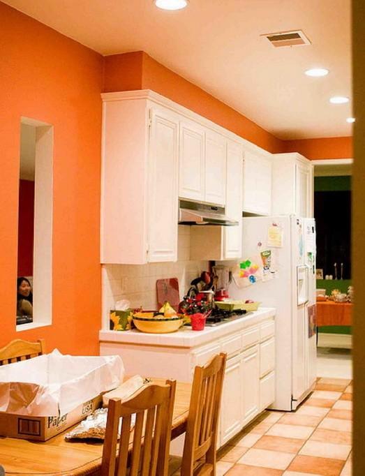 Оранжевый  Оранжевый цвет в кухне