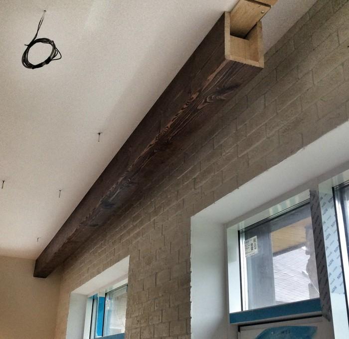 Потолки с балками в интерьере_12