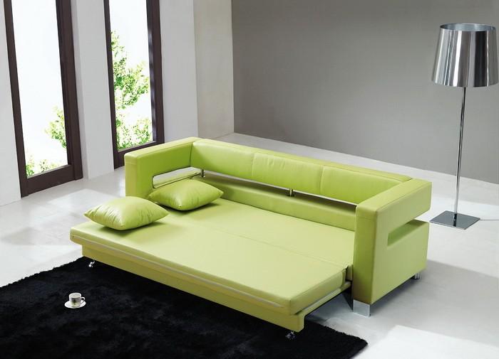 Spalnoe mesto: divan ili krovat