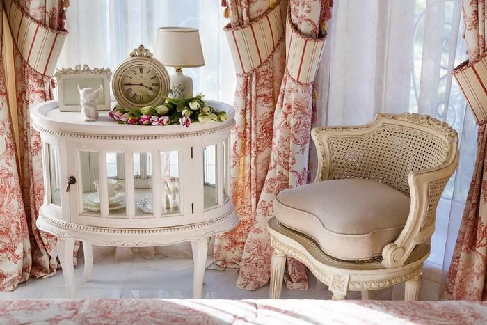 Французский стиль в интерьере спальни_003