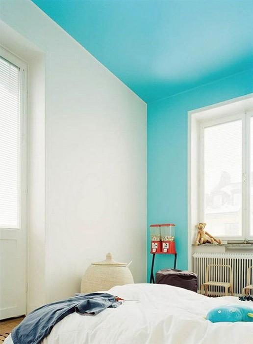 Цветные потолки в интерьере_09