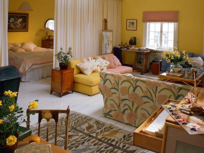 Интерьер проходной гостиной_06