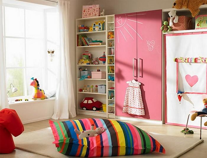 Яркие интерьеры детских комнат_09