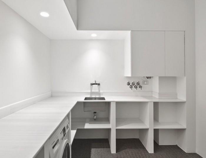 Белый  Белая квартира в Барселоне