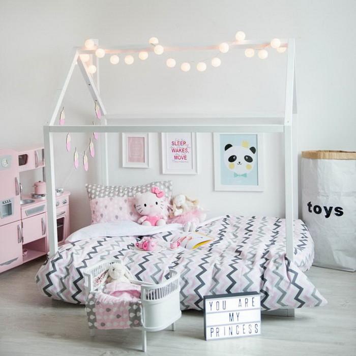 Интерьер спальни гостиной