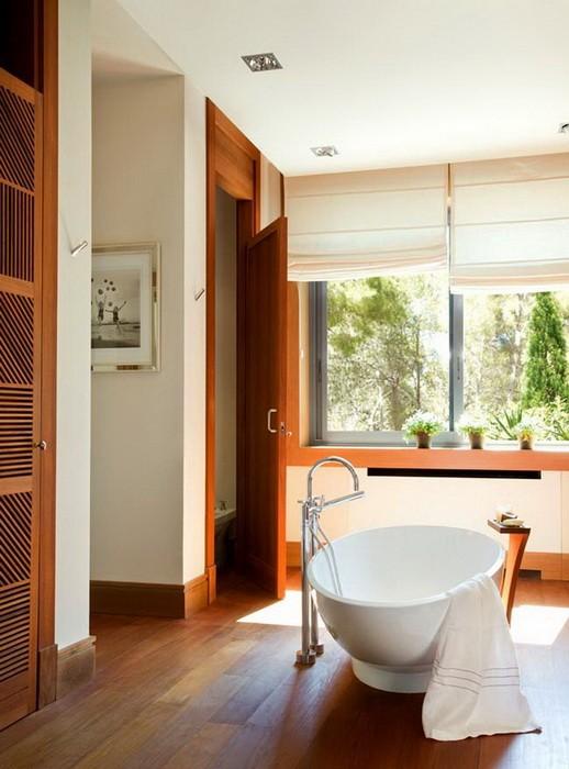Ванная комната с отделкой из дерева_02