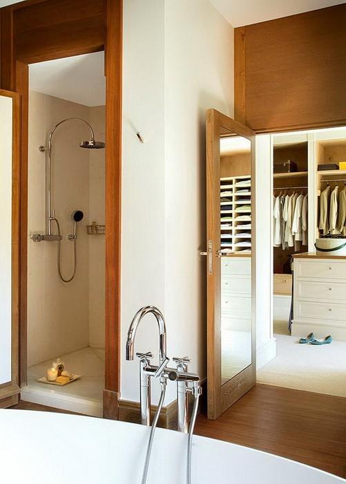 Ванная комната с отделкой из дерева_03