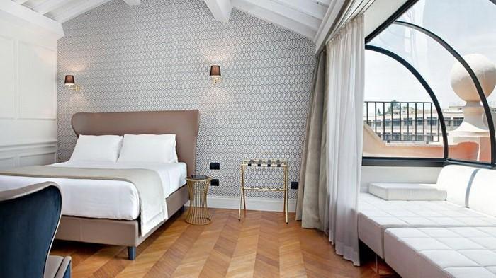 Яркий  Яркие интерьеры комнат в отеле Рима